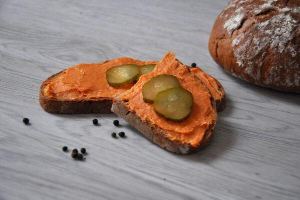 Mettwurst auf Brot | Onlineshop Metzgerei Herpich in Hof